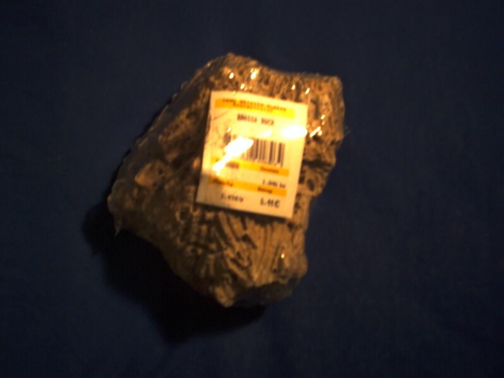 Stein aus Aquarienbedarf