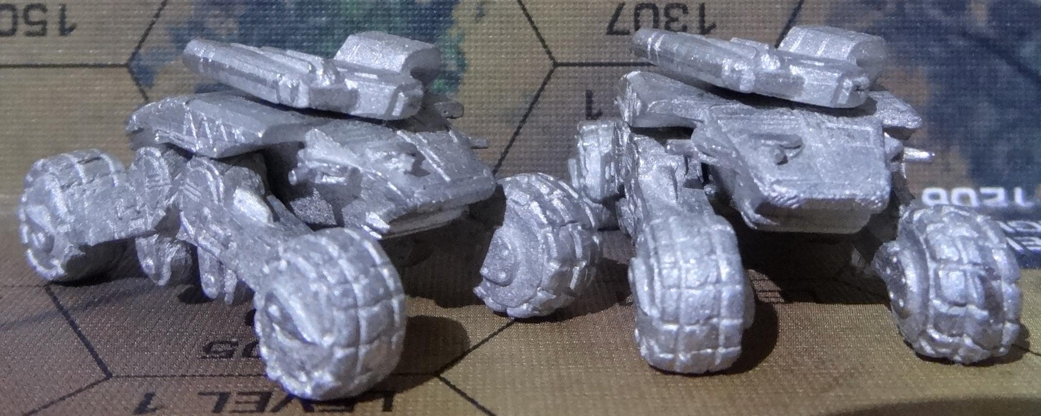 Der Chalchiuhtotolin Support Tank von hinten links und hinten – anklicken für ein größeres Bild
