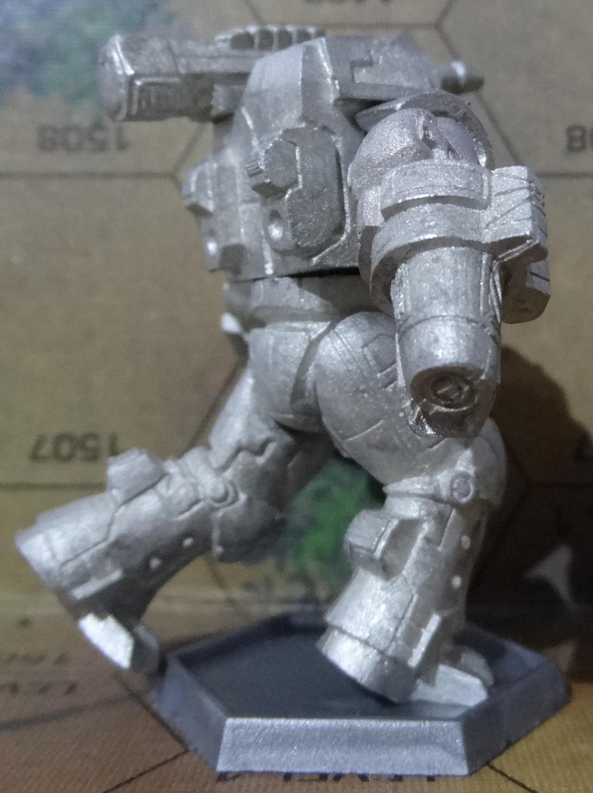 Die Hauberk Battle Armor Commado von hinten rechts - anklicken für ein größeres Bild
