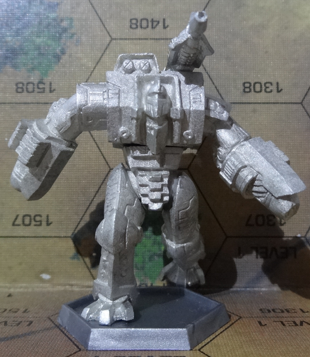 Die Hauberk Battle Armor Commado von vorne - anklicken für ein größeres Bild